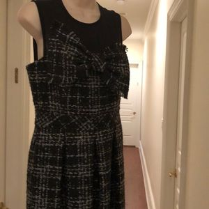 TRINA TURK SHORT SLEEVELESS DRESS
